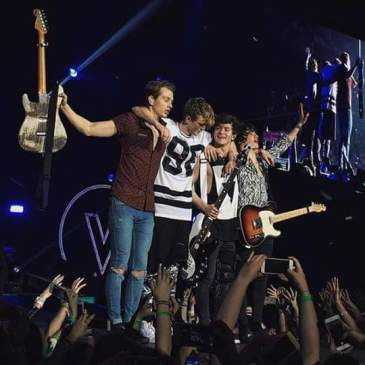 The_Vamps_Wake_Up_World_Tour_London_2016