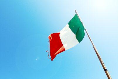 flag-flagpole-italy-7522.jpg